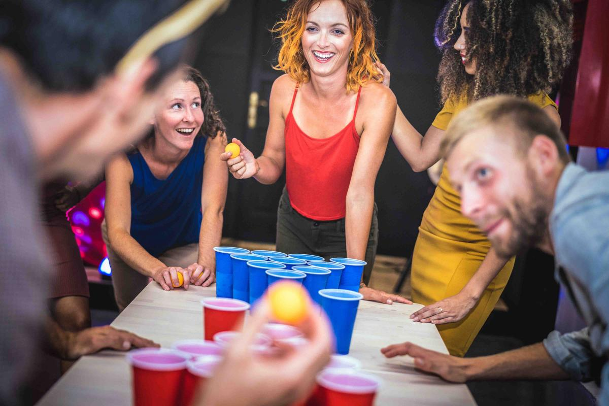 ENTERTAINMENT GAME 'HAPPY HOUR'