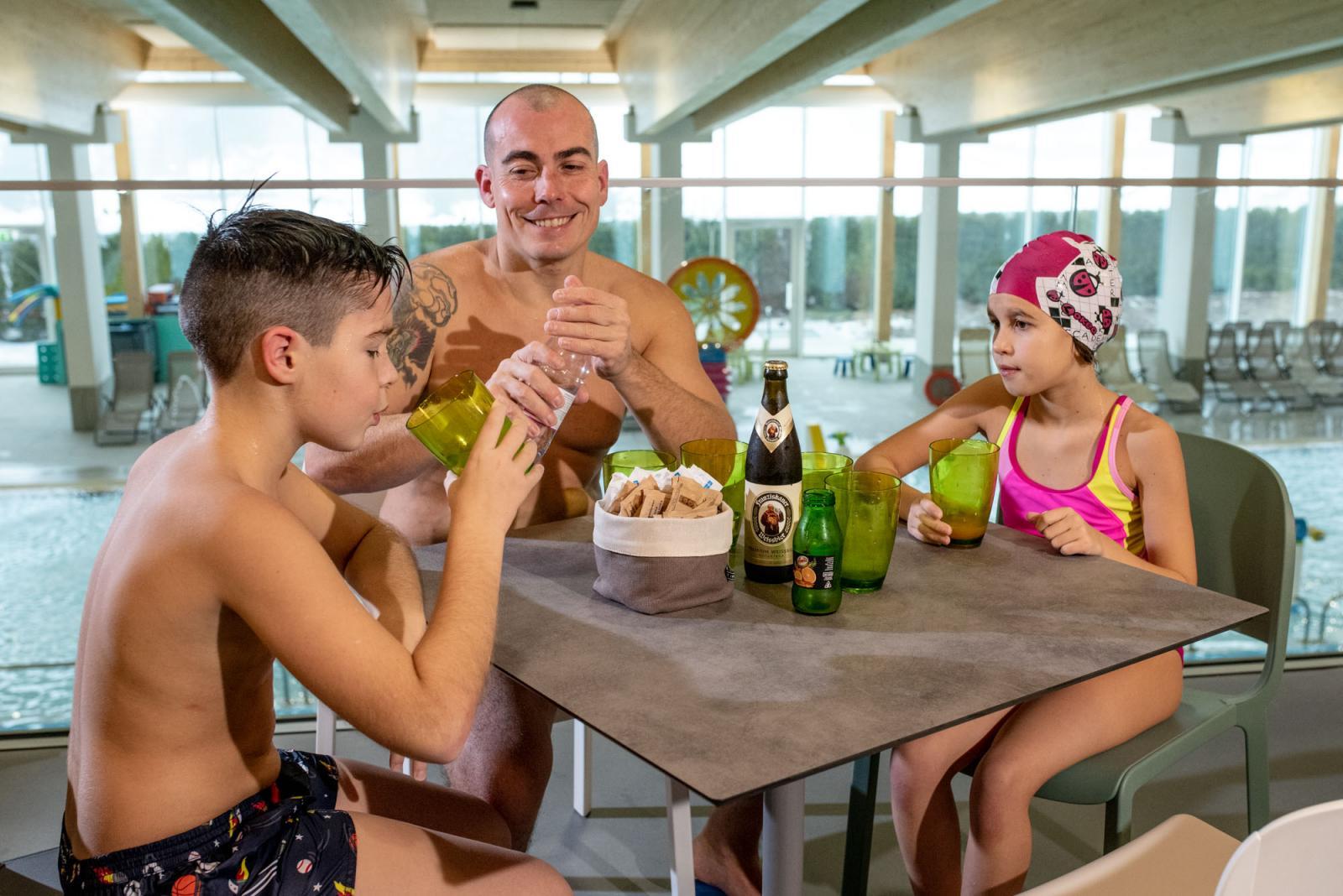 NOVITA' Lounge bar a soppalco sull'Acquapark