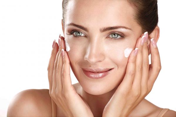 Regenerating Facial treatment