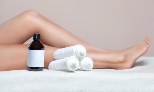 Body treatment with LEG BANDAGE