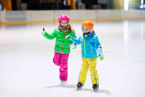 Ice Rink: entrance with skates for CHILDREN
