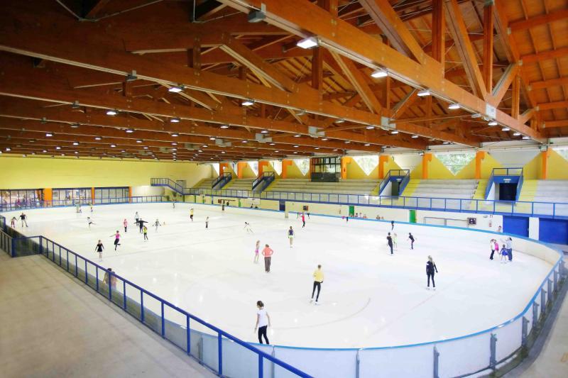 2013PHValerioBanal Andalo_parco_Life_Trentino_Dolomiti_Paganella_Stadio_ghiaccio_pattinare_pattinaggio palaghiaccio (2)