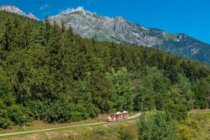 2020 PHMatteoDeStefano_Andalo_bambini_montagna_family_trenino_lago_parco_Life_Dolomiti_Paganella_Trentino_(16)