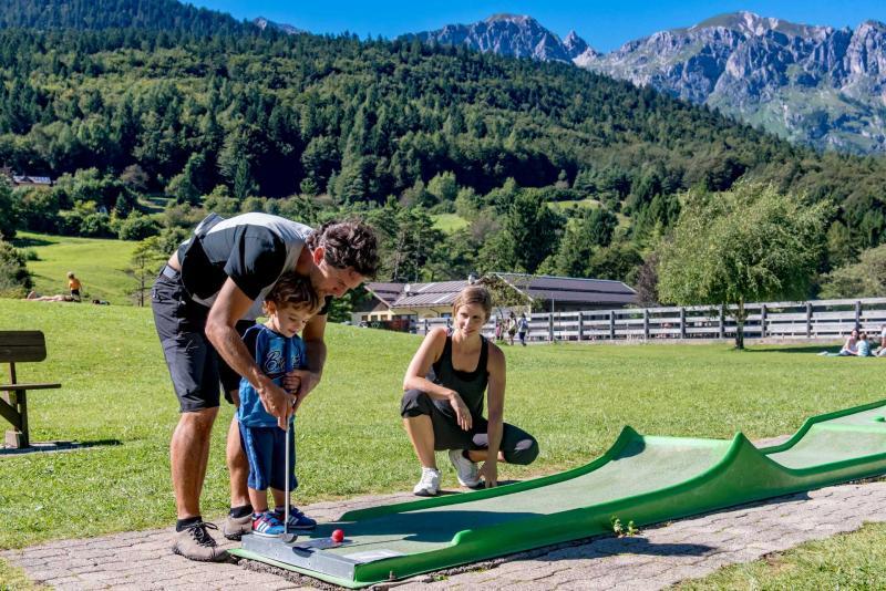Andalo bambini giochi minigolf montagna family parco Life Family Activity Park Dolomiti Paganella Trentino
