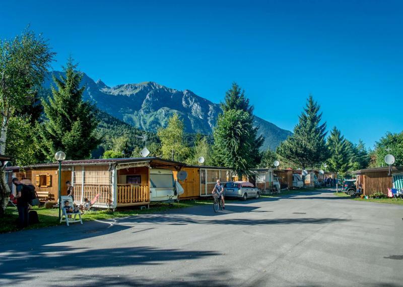 Andalo montagna tende campeggio roulotte parco Life Dolomiti Paganella Trentino