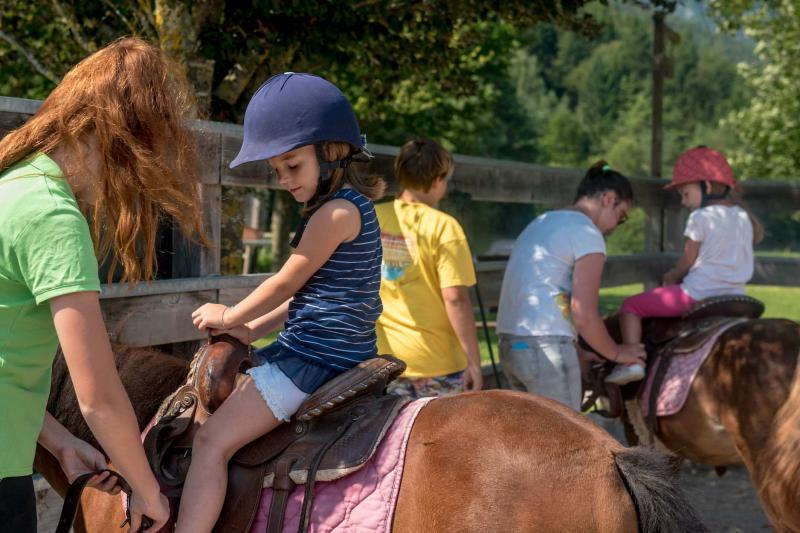Maneggio e Centro Equitazione, passeggiate a cavallo