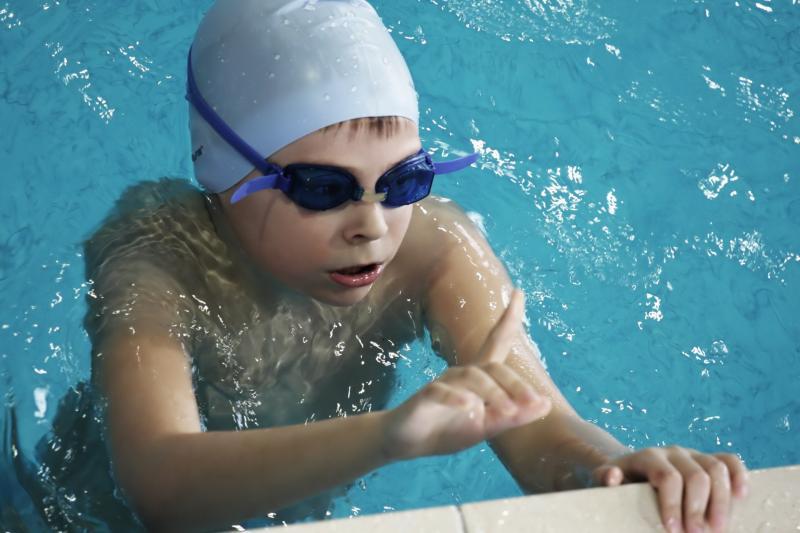Corsi bambini per imparare a nuotare a Andalo Dolomiti Paganella Trentino dai 6 anni