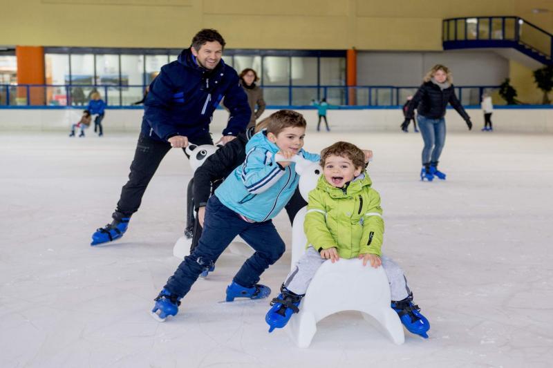 Pattinaggio su ghiaccio Andalo Dolomiti Paganella in Trentino per pattinare al palaghiaccio Andalo