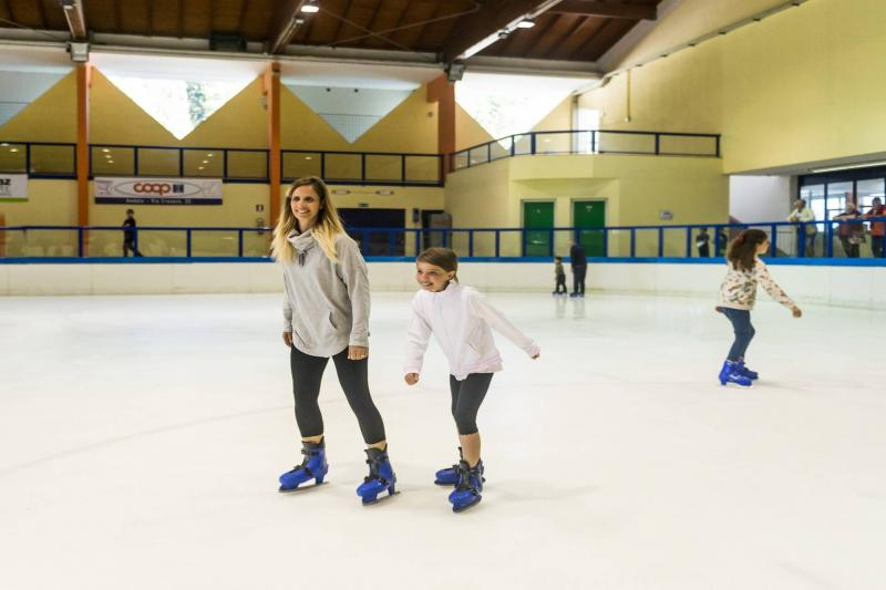 FREE TRY OUT ICE SKATING LESSON