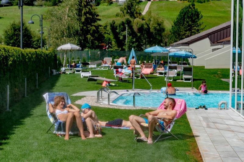 PH2020M.DeStefano acquapark_giardino_solarium_acquain_andalo_life_piscina_bambini_family_Trentino_altoadige_Paganella_Dolomiti (10)