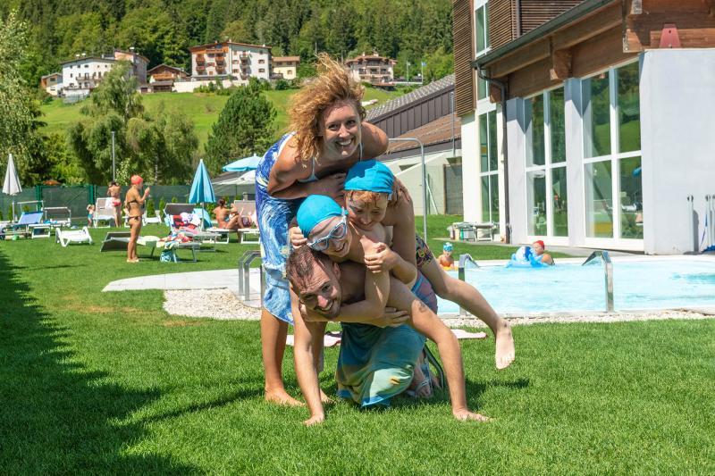 PH2020M.DeStefano acquapark_idromassaggio_getti_acquain_andalo_life_piscina_bambini_family_Trentino_altoadige_Paganella_Dolomiti (98)