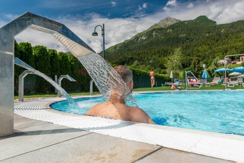 PH2020M.DeStefano acquapark_idromassaggio_getti_acquain_andalo_life_piscina_bambini_family_Trentino_altoadige_Paganella_Dolomiti (85)