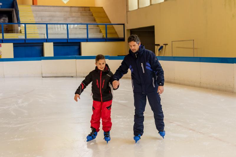 PH2020M.DeStefano palaghiaccio_pattini_ghiaccio_andalo_life _bambini_family_Trentino _altoadige_Paganella_Dolomiti (2)