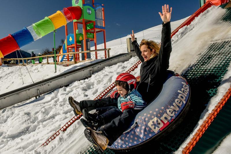 PH2020M.DeStefano winterpark_bimbolandia_giochi_gommoni_scivoli_neve_andalo_life _bambini_family_Trentino _altoadige_Paganella_Dolomiti (131)