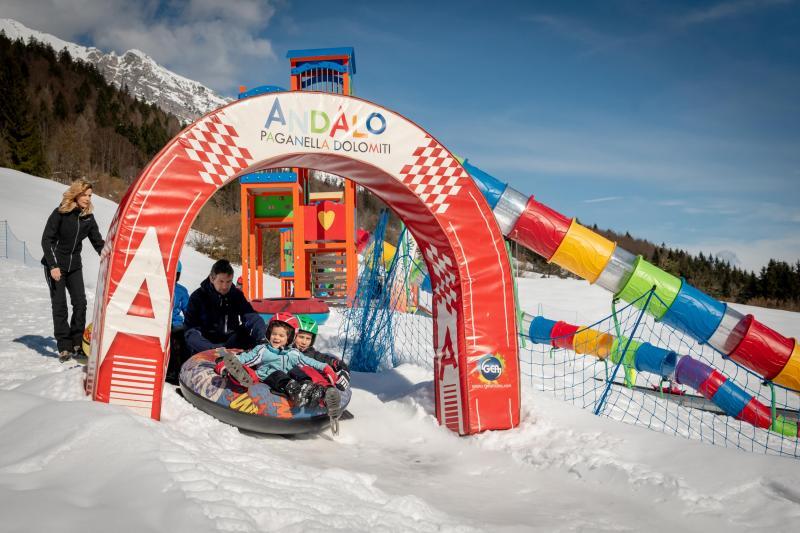 PH2020M.DeStefano winterpark_bimbolandia_giochi_gommoni_scivoli_neve_andalo_life _bambini_family_Trentino _altoadige_Paganella_Dolomiti (165)