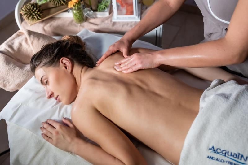 RELAXING MASSAGES