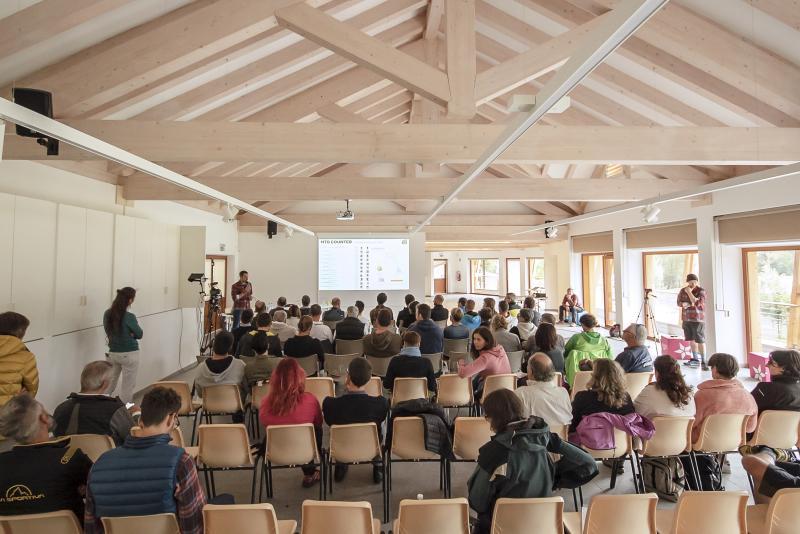 PHSottobosco sala_polivalente_riunioni_proiettore_incentive_congressi_meeting_Andalo_Life_parco_Trentino_Dolomiti_Paganella_montagna(49)