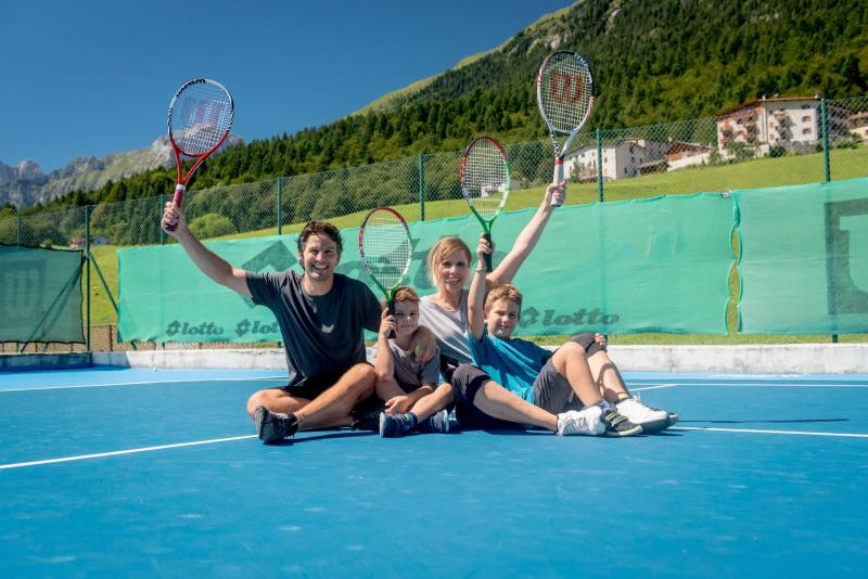 Tennis center, lessons and training